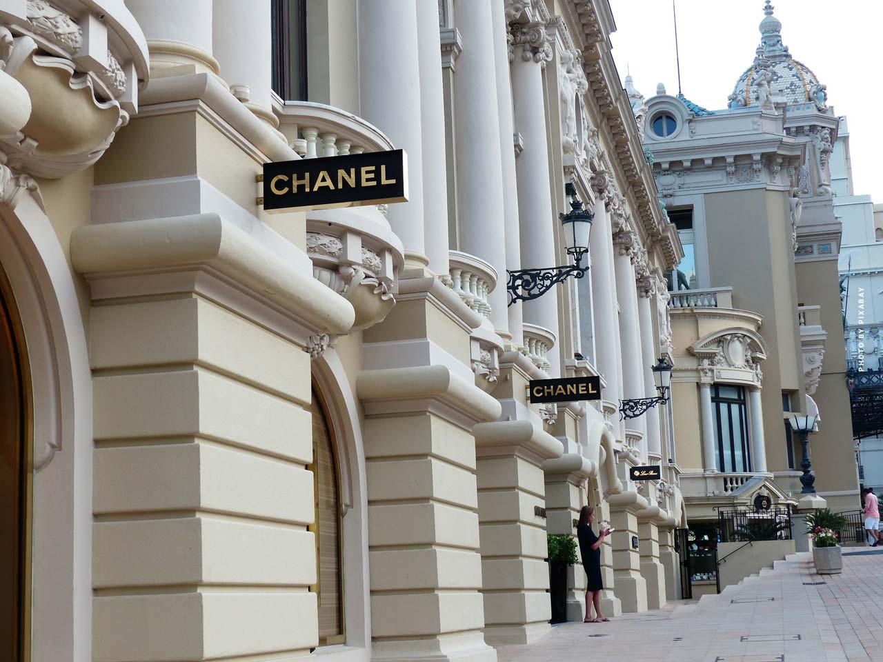 Chanel: N°5, borsa, catena, occhiali & altro - Fashion by Coco Chanel & Karl Lagerfeld