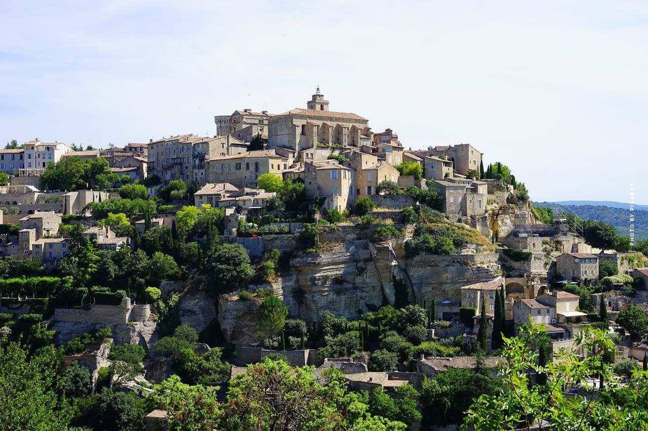Vacanze in Francia - tutto su hotel, campeggio e campeggio; visite turistiche