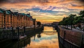 Vacanze ad Amburgo: musical, commedia e vacanze al mare con tour del porto