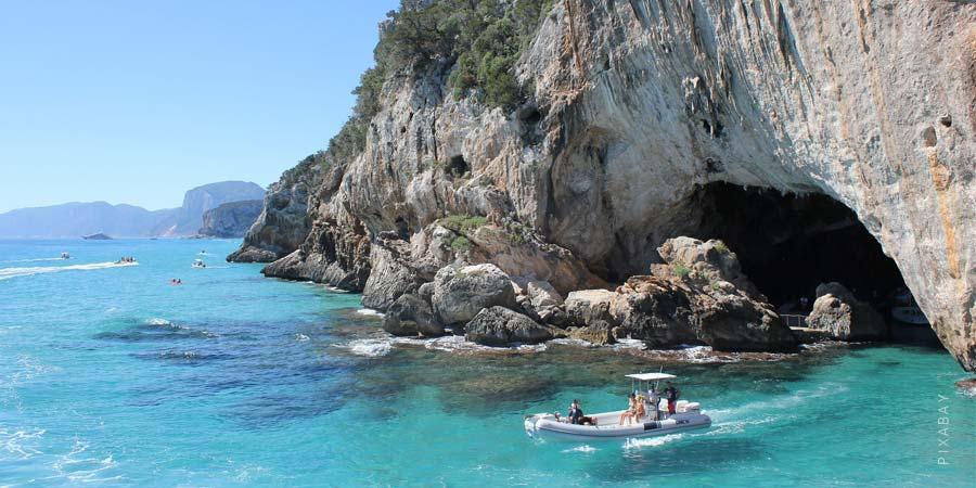 Vacanze Sardegna: Le più belle destinazioni, i luoghi, le spiagge e il mare