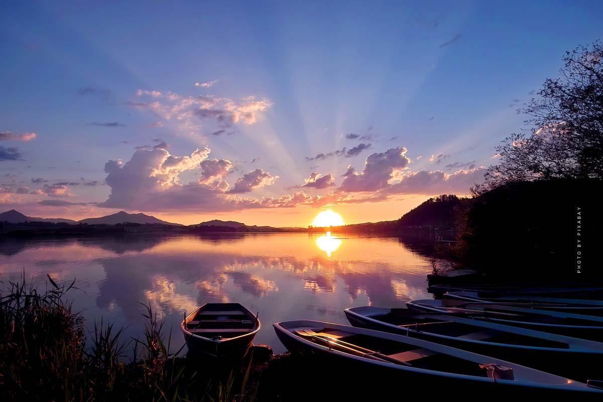 Vacanze al lago di Hopfen: Aria fresca sul lago di montagna - Hotel, Camping & Co. in Baviera