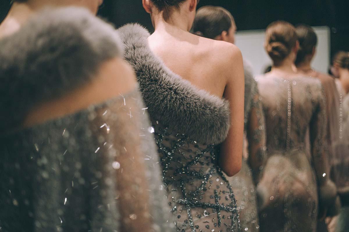 Sfilata di moda Highlights da Givenchy - Stravaganti collezioni Haute Couture e romantiche collezioni uomo