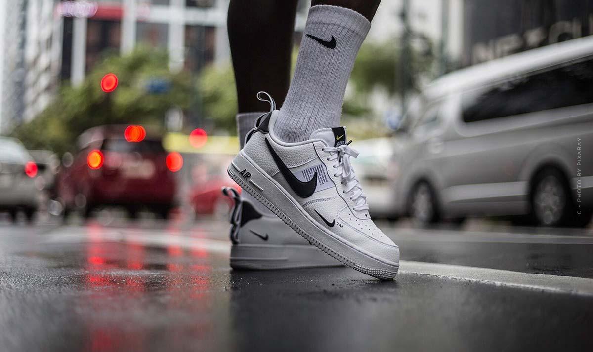 Le sneakers più costose del mondo: Nike, Converse, Jordans - Top 9