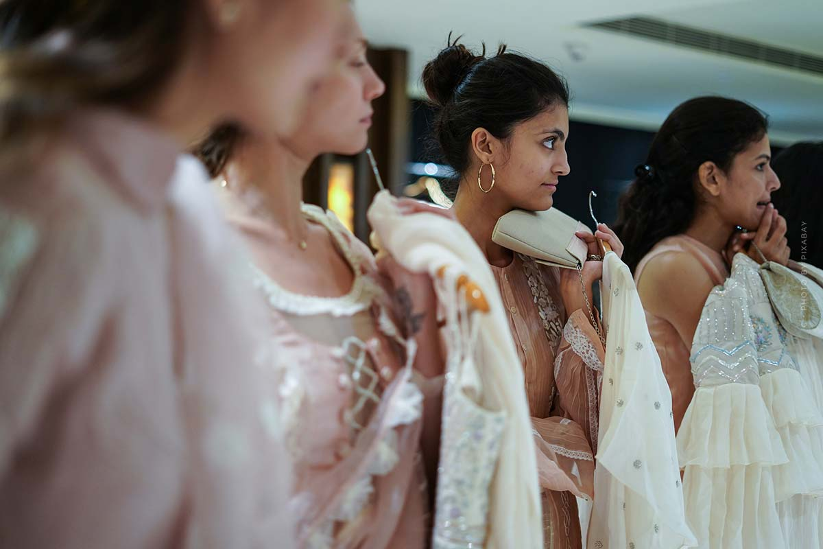Highlights della pista da Vera Wang: Moda sposa originale e abiti stravaganti