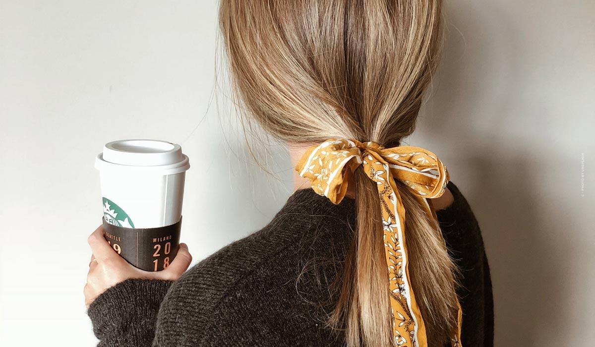 Acconciature super leggere per capelli corti da imitare; con e senza intrecci, prese in giro, trecce, vestiti