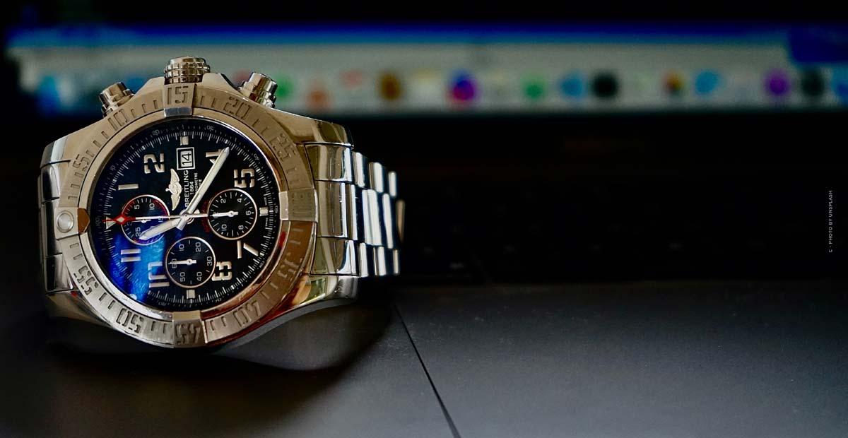 Breitling Aviator 8: orologi da pilota in oro rosso nobile, titanio o acciaio inossidabile