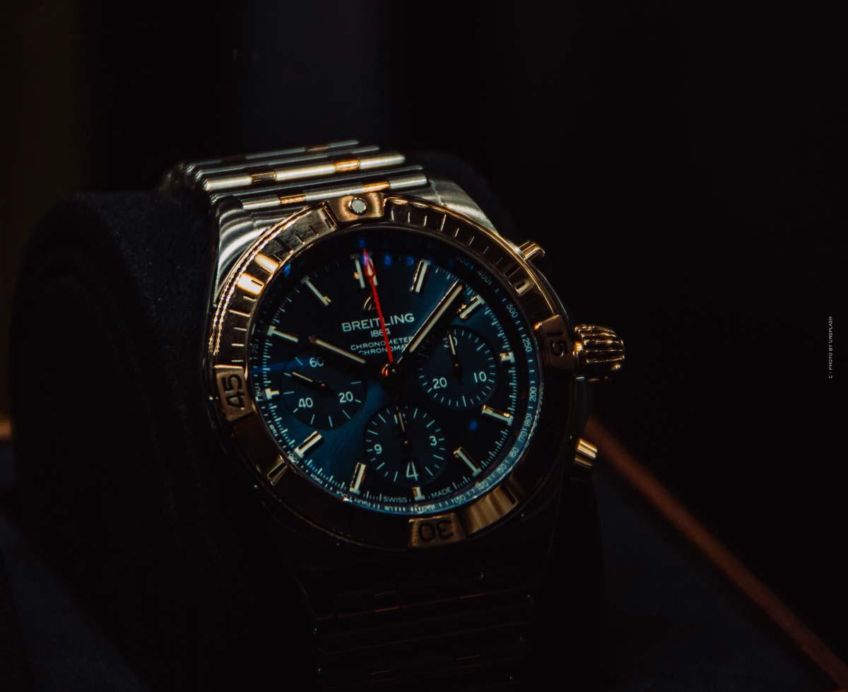 Breitling Professional: prezzi, modelli degli orologi colorati per uomini e donne