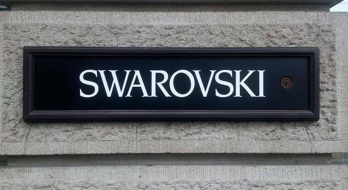 Swarovski: bracciali, anelli, orologi e collane di cigno - da 125 anni
