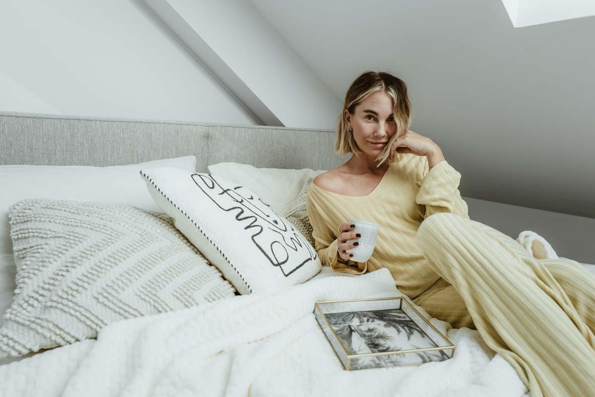 Costantemente K nell'intervista: Fashionicon Karin Teigl su must-have, relazioni felici e la sua vita quotidiana con Instagram