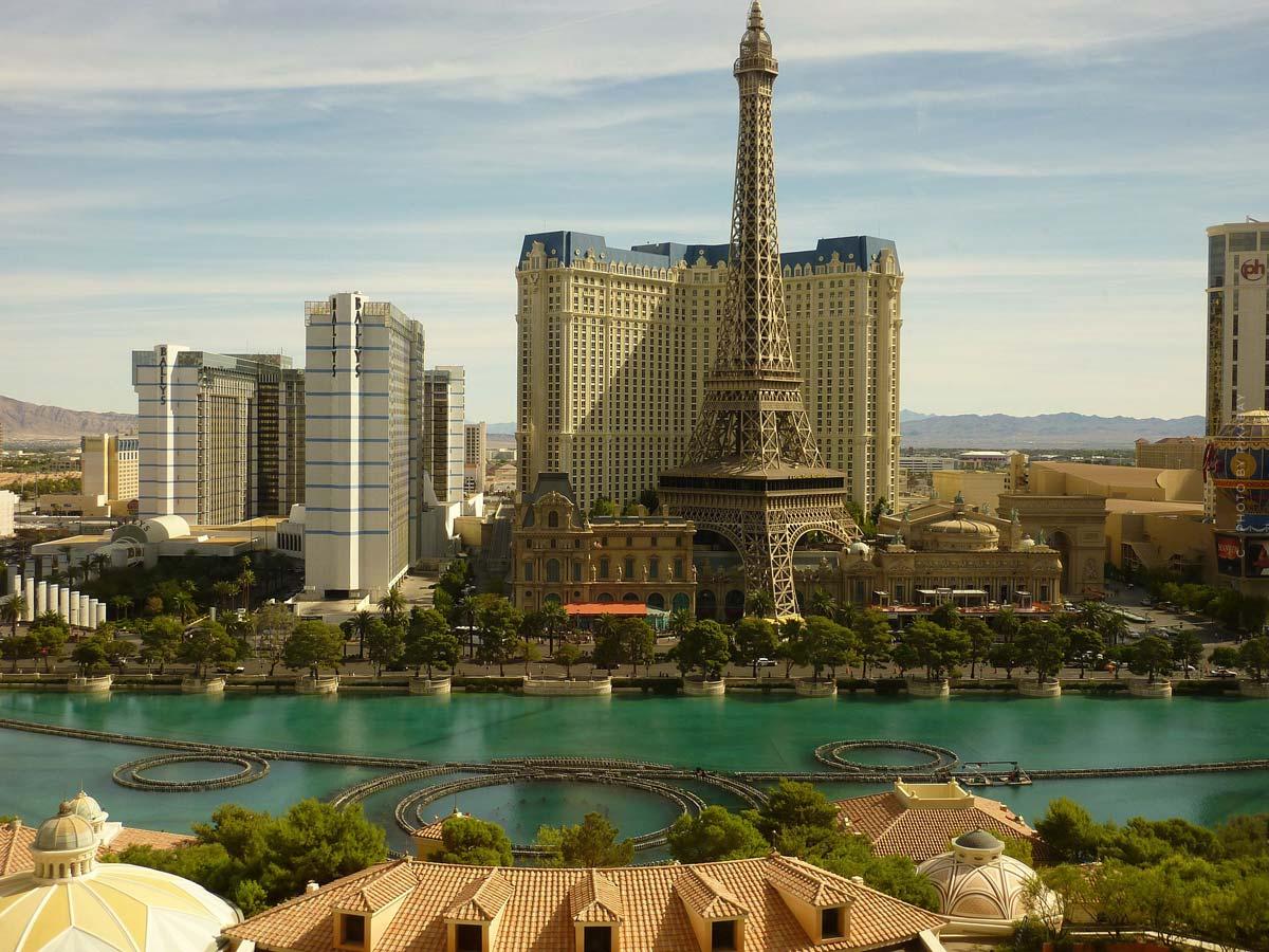 Spostamento di Las Vegas: Luoghi più popolari per vivere, opzioni di alloggio e attività per il tempo libero