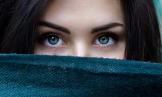 Suggerimenti per una ciglia perfetta: mascara nutriente, rafforzamento della vitamina E e dei sieri delle ciglia