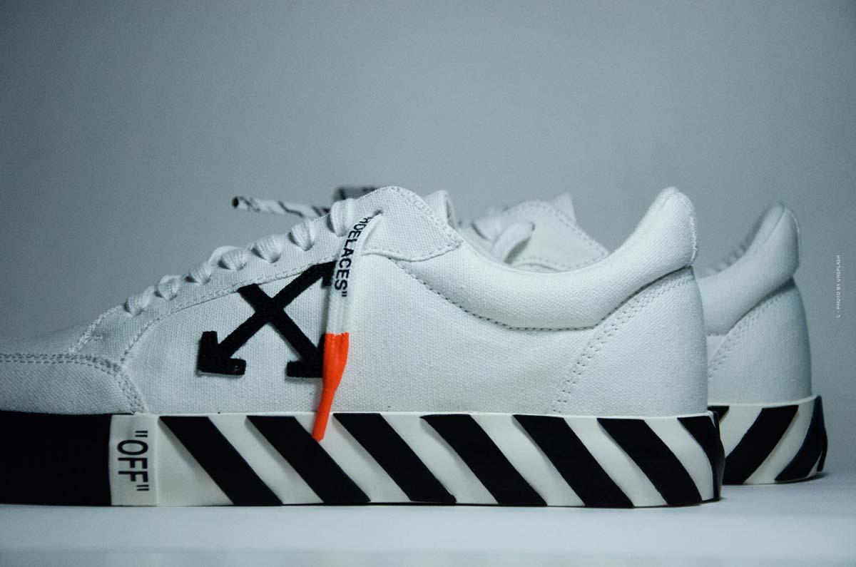 Scarpe Off-White: sneakers, sandali e stivali must-have dello streetwear