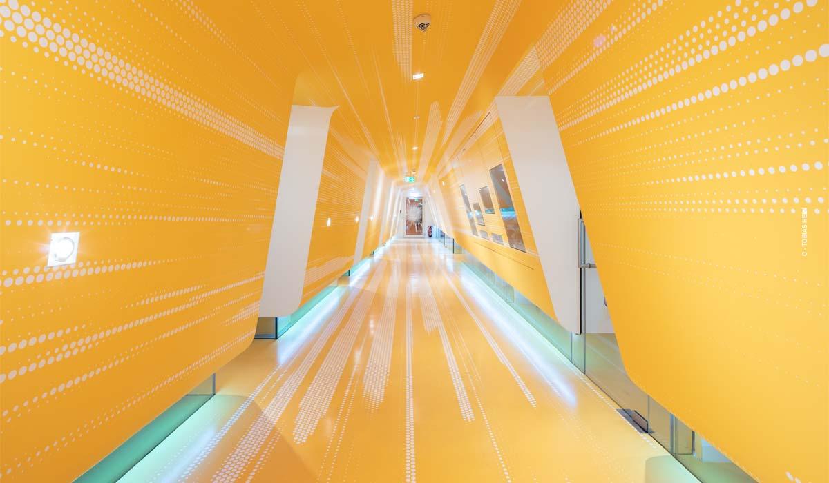 Studio dentistico di Berlino: KU64 e 65 sul Kudamm di Berlino da Graft Architects