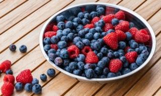 Frullati di frutti di bosco: mirtillo, lampone & co. – il calcio della freschezza nella vita quotidiana
