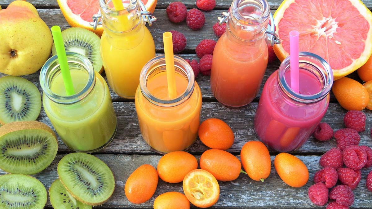 Smoothie: ricette, ingredienti, vitamine deliziosi - mela, banana & co.
