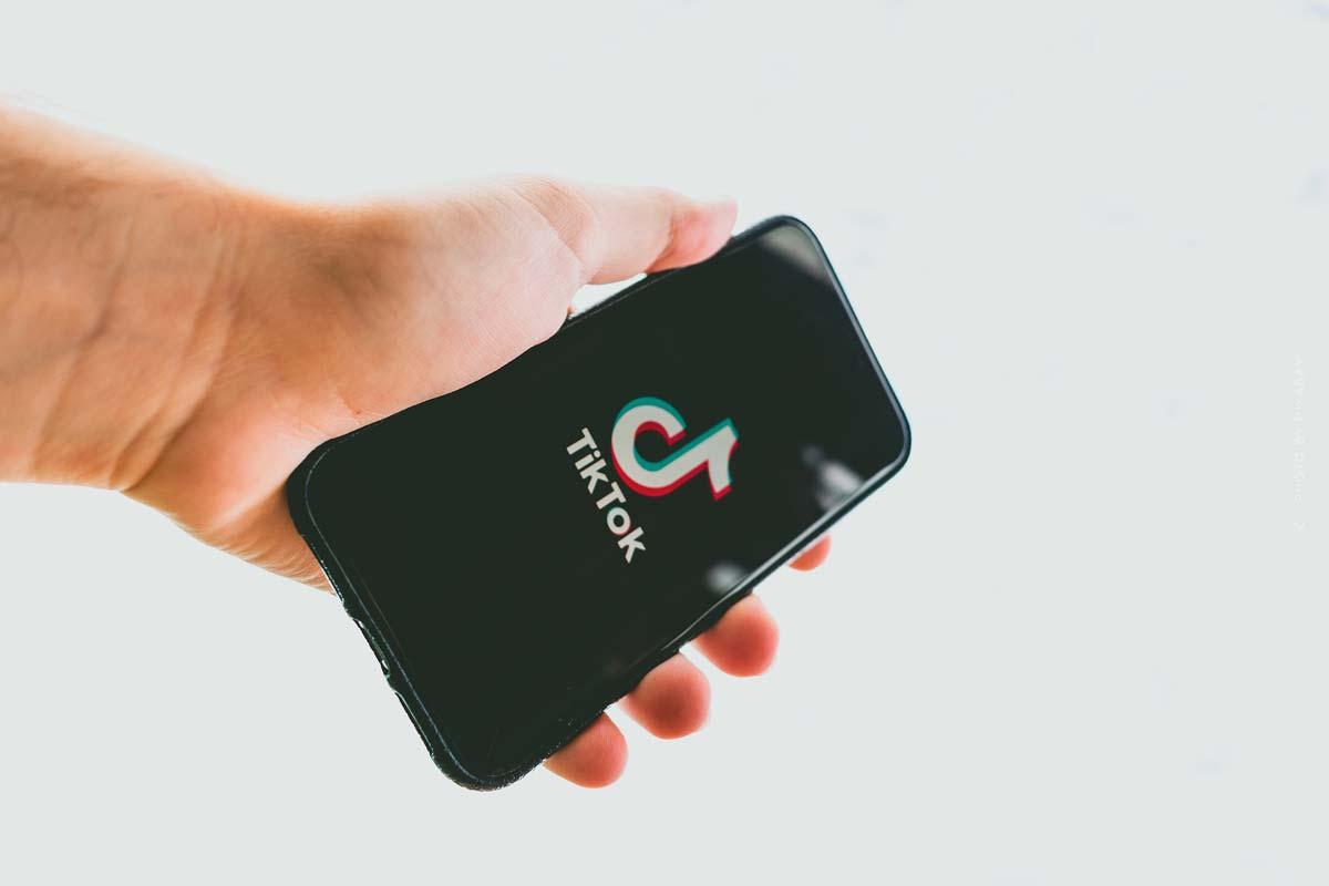 TikTok: Stelle, pubblicità e follower - storia dell'app